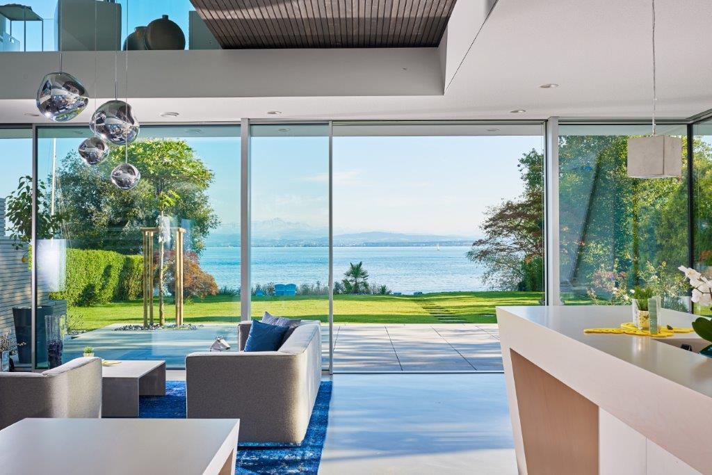 Fenster mit schmalen Rahmen