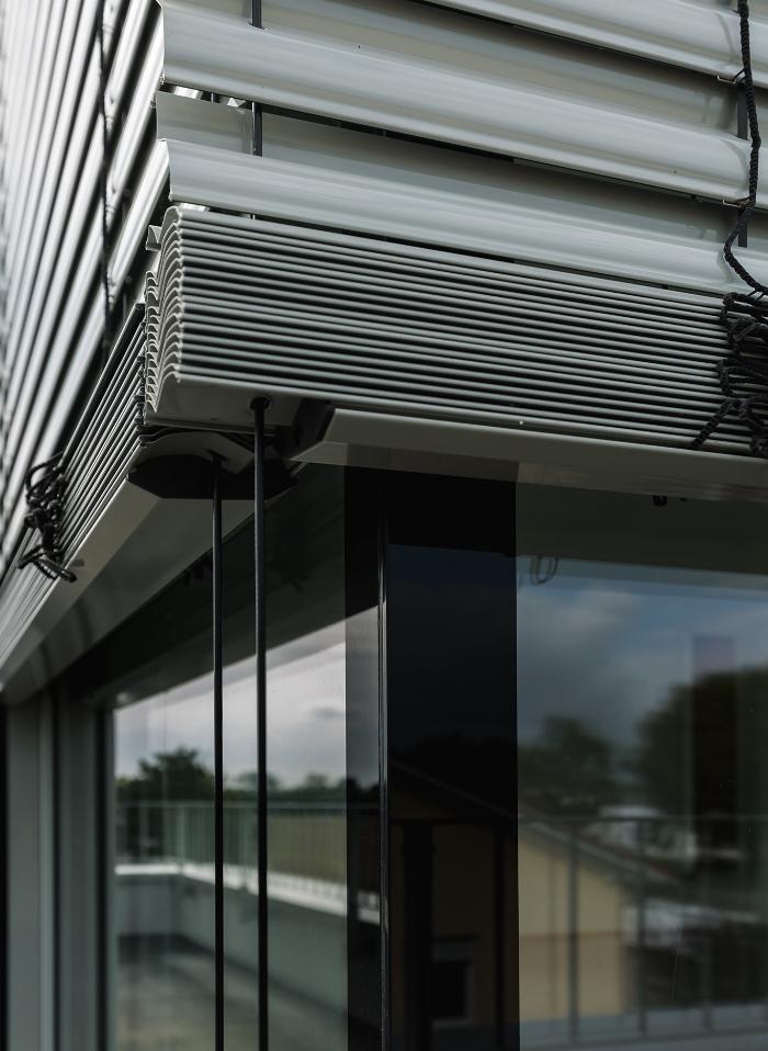 Sonnenschutz Glaseckfenster