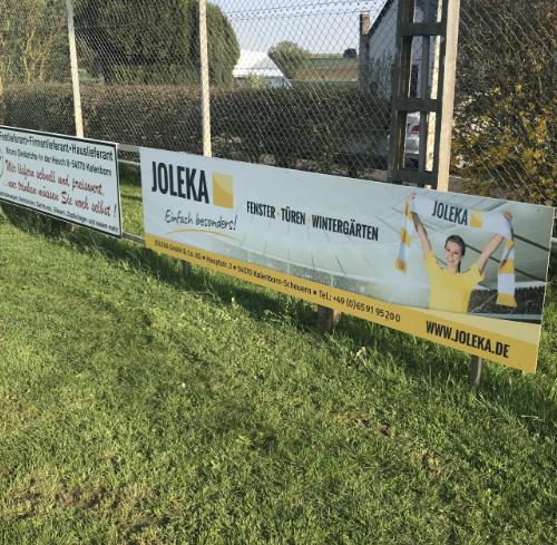 Sportplatz-Banner in Steffeln
