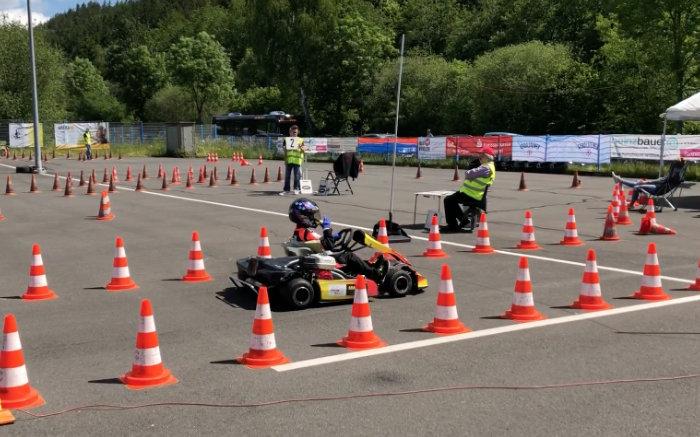JOLEKA fördert jungen Kart Slalom Nachwuchs